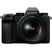 Panasonic Lumix S5 + Lumix S 20-60mm f/3.5-5.6 Kit (Bonus DMW-BLK22EA Li-ion Battery, valid till 3 May 21)